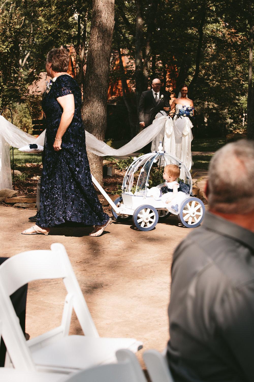 central-ohio-outdoor-wedding-photography-landolls-mohican-castle_11.jpg