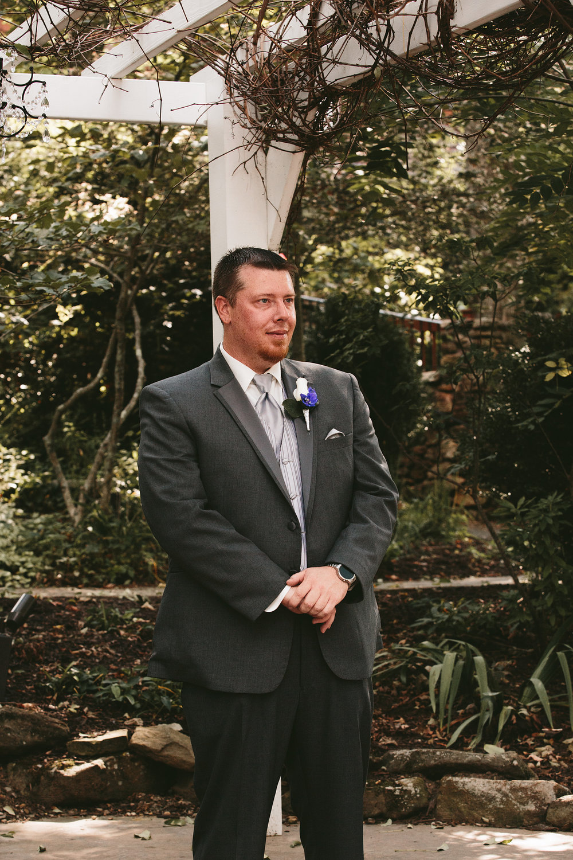 central-ohio-outdoor-wedding-photography-landolls-mohican-castle_13.jpg