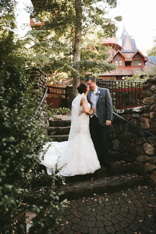 central-ohio-outdoor-wedding-photography-landolls-mohican-castle_23.jpg