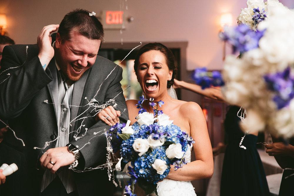 central-ohio-outdoor-wedding-photography-landolls-mohican-castle_32.jpg