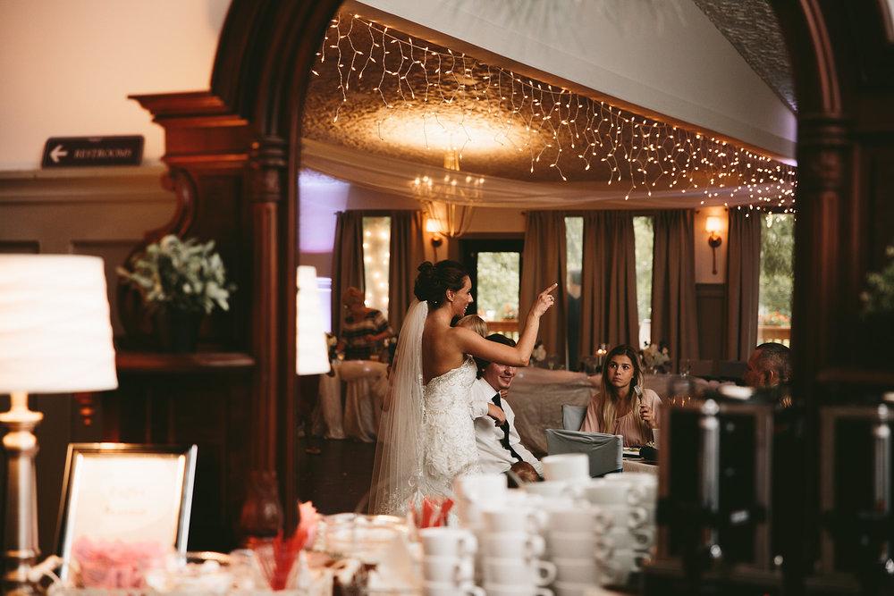 central-ohio-outdoor-wedding-photography-landolls-mohican-castle_36.jpg