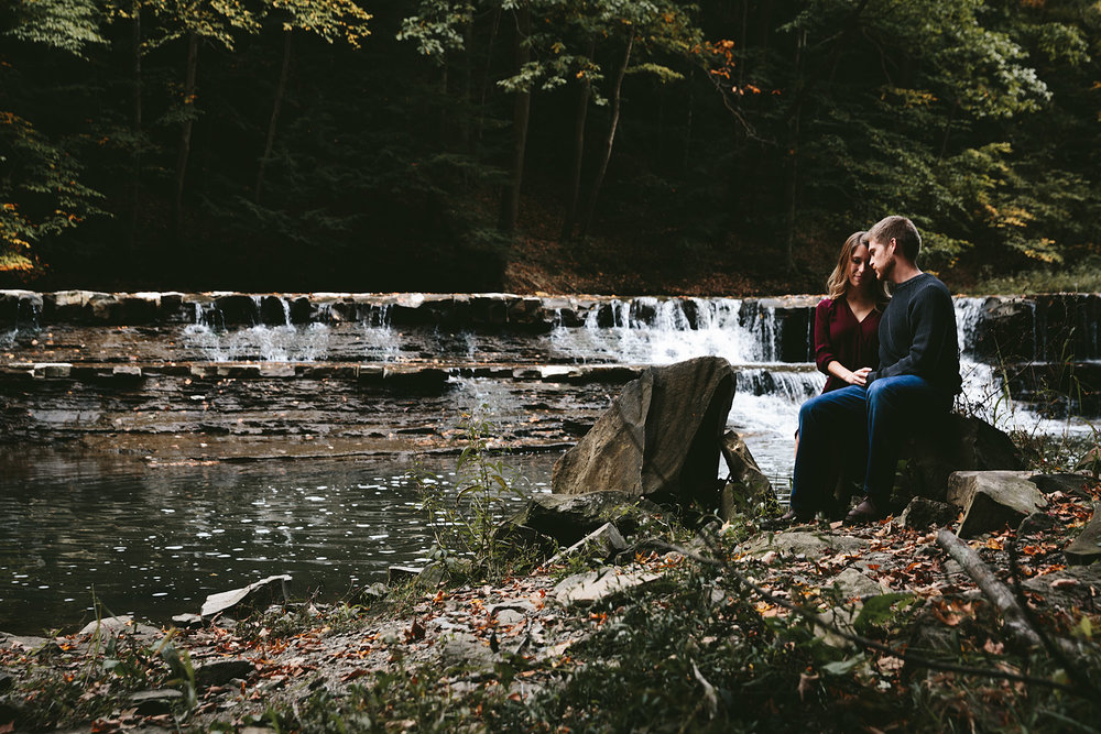 solon-ohio-engagement-photographer-chagrin-reservation-metropark-11.jpg