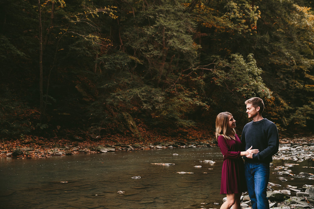 solon-ohio-engagement-photographer-chagrin-reservation-metropark-19.jpg