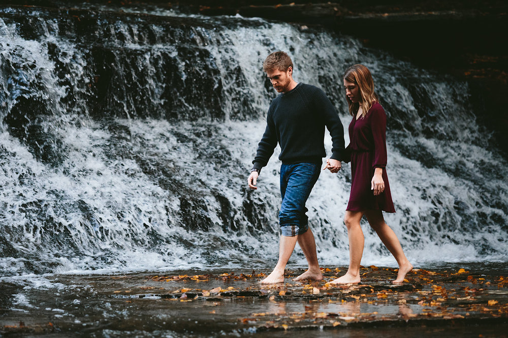 solon-ohio-engagement-photographer-chagrin-reservation-metropark-40.jpg