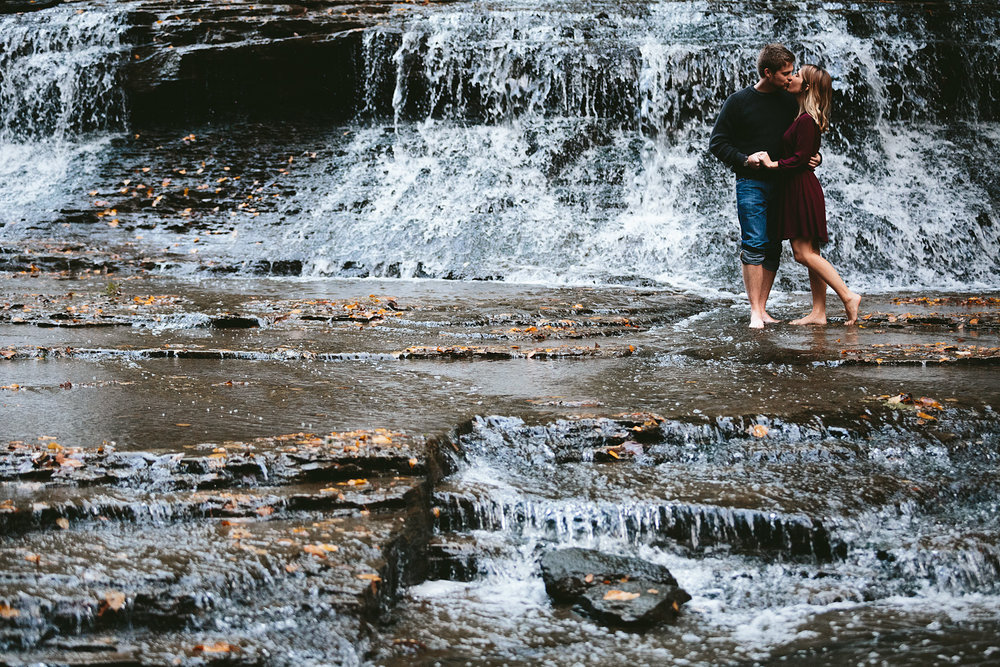 solon-ohio-engagement-photographer-chagrin-reservation-metropark-42.jpg