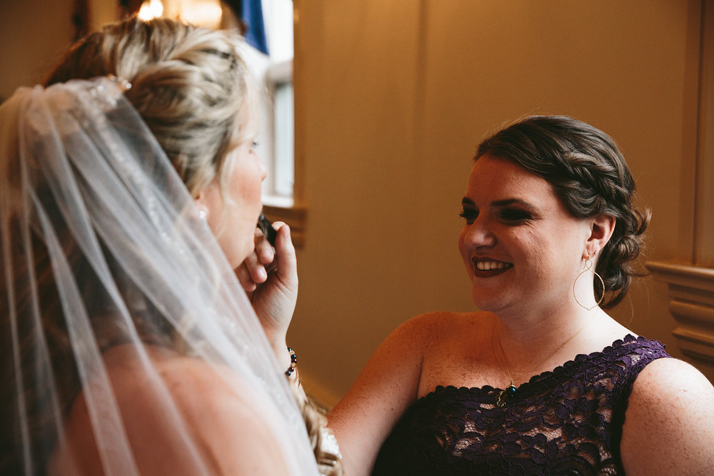 chagrin-ohio-wedding-photographer-pattersons-fruit-farm-18.jpg