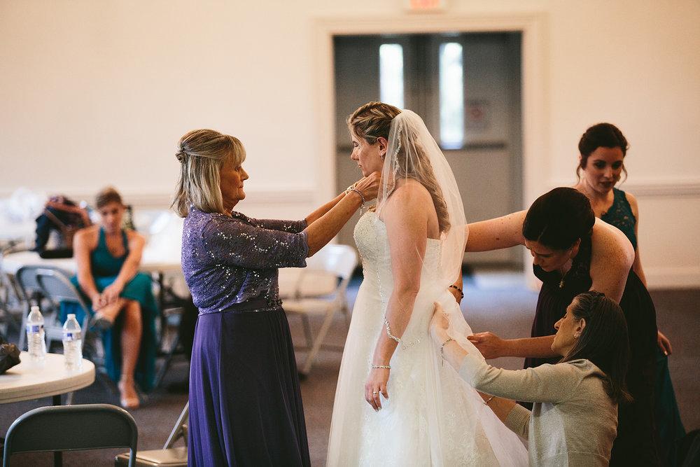 chagrin-ohio-wedding-photographer-pattersons-fruit-farm-20.jpg
