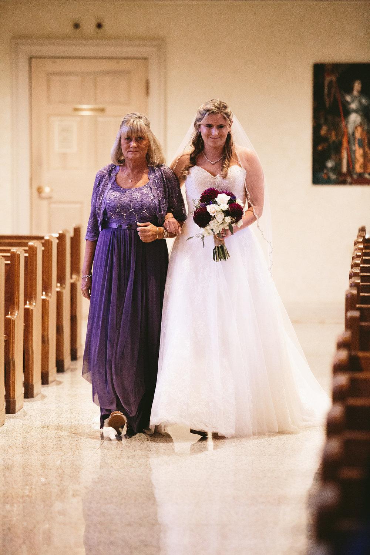 chagrin-ohio-wedding-photographer-pattersons-fruit-farm-25.jpg