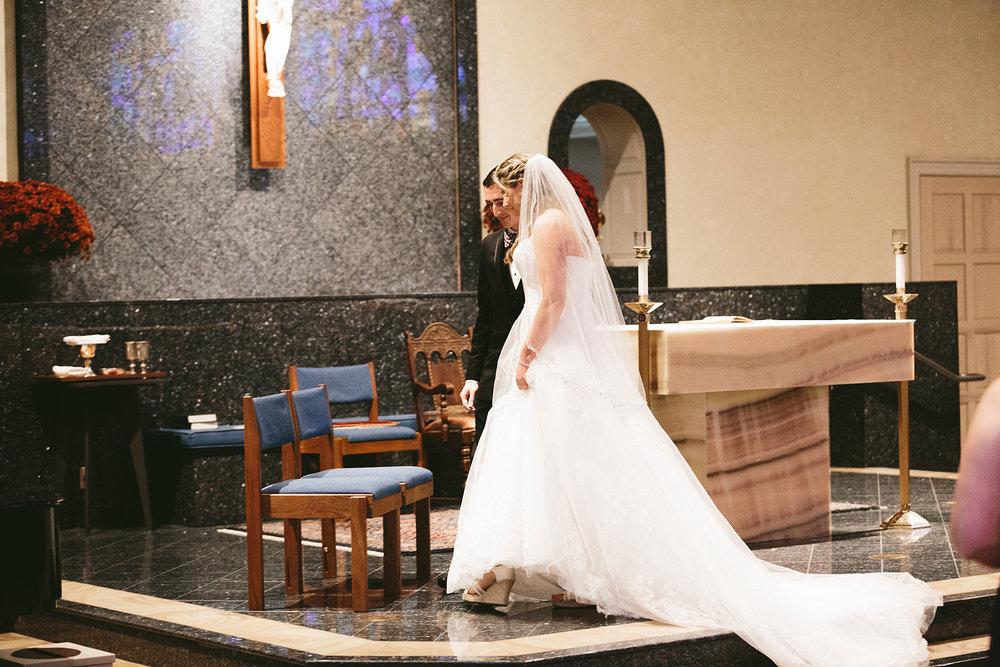 chagrin-ohio-wedding-photographer-pattersons-fruit-farm-26.jpg