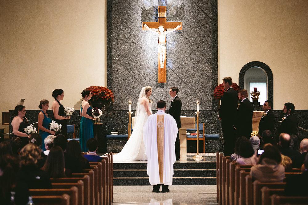 chagrin-ohio-wedding-photographer-pattersons-fruit-farm-27.jpg