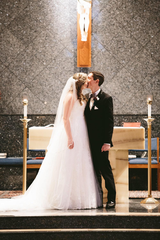 chagrin-ohio-wedding-photographer-pattersons-fruit-farm-29.jpg