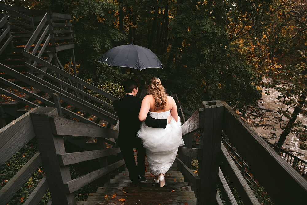 chagrin-ohio-wedding-photographer-pattersons-fruit-farm-34.jpg