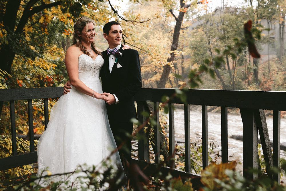 chagrin-ohio-wedding-photographer-pattersons-fruit-farm-37.jpg