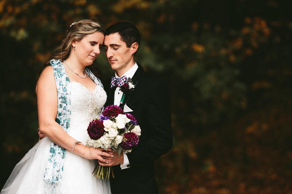 chagrin-ohio-wedding-photographer-pattersons-fruit-farm-48.jpg
