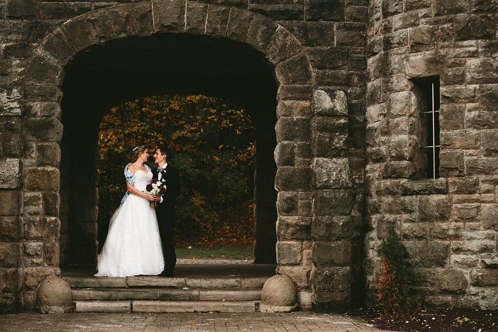 chagrin-ohio-wedding-photographer-pattersons-fruit-farm-47.jpg