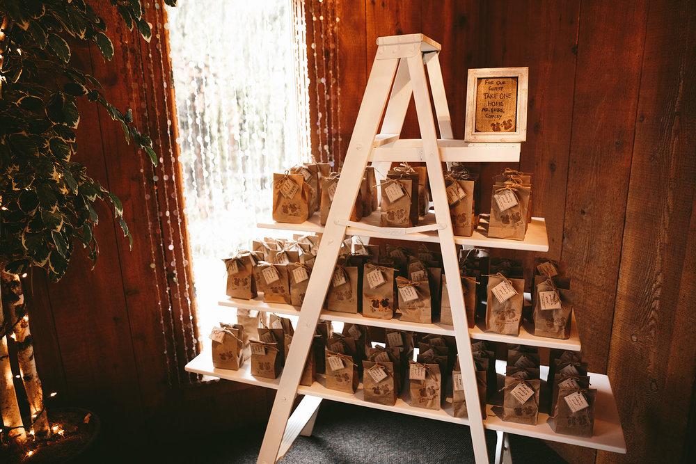 chagrin-ohio-wedding-photographer-pattersons-fruit-farm-55.jpg
