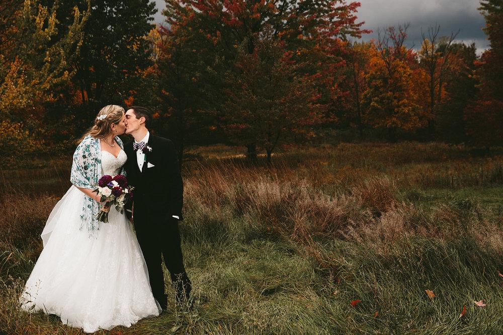 chagrin-ohio-wedding-photographer-pattersons-fruit-farm-62.jpg