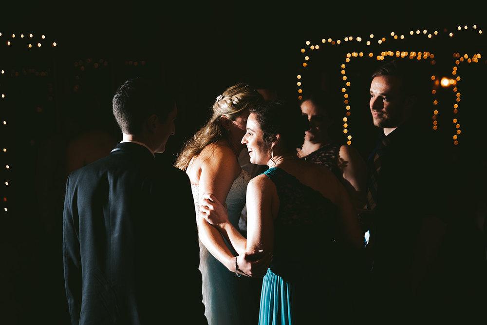 chagrin-ohio-wedding-photographer-pattersons-fruit-farm-71.jpg