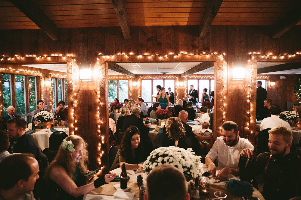 chagrin-ohio-wedding-photographer-pattersons-fruit-farm-70.jpg