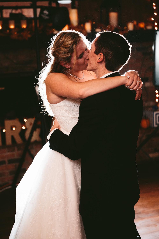chagrin-ohio-wedding-photographer-pattersons-fruit-farm-72.jpg