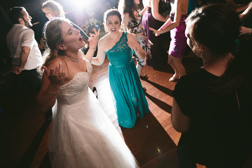 chagrin-ohio-wedding-photographer-pattersons-fruit-farm-73.jpg