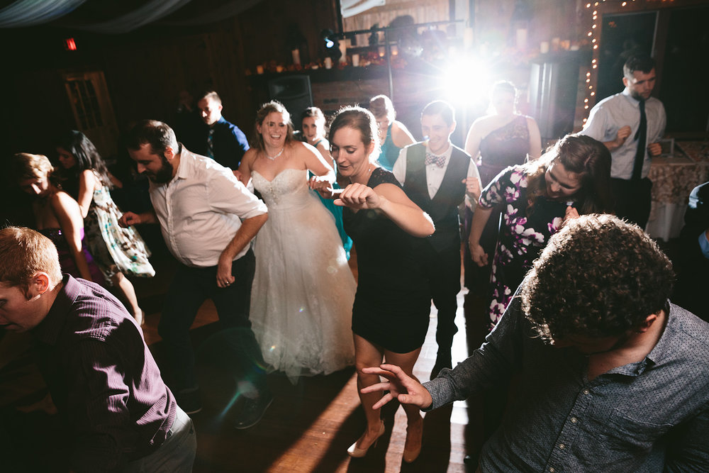 chagrin-ohio-wedding-photographer-pattersons-fruit-farm-75.jpg