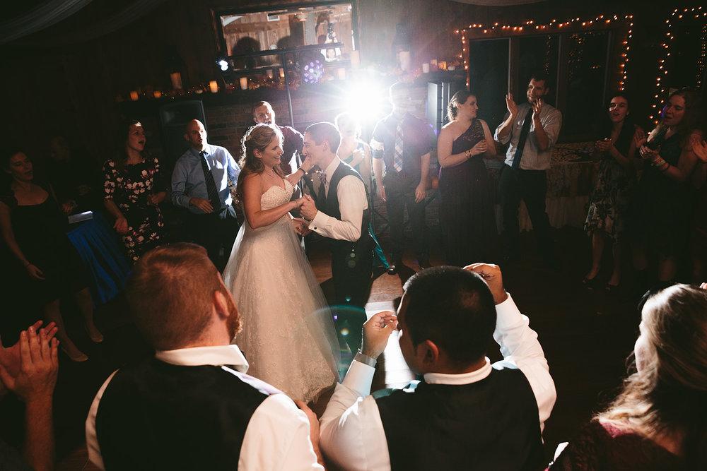 chagrin-ohio-wedding-photographer-pattersons-fruit-farm-77.jpg