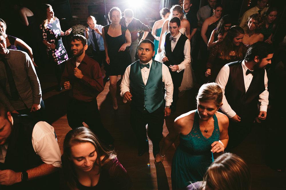 chagrin-ohio-wedding-photographer-pattersons-fruit-farm-78.jpg