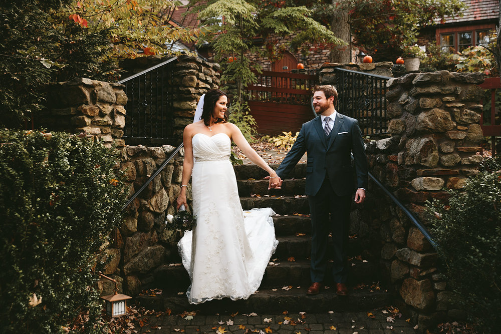 columbus-ohio-wedding-photographers-loudonville-landolls-mohican-castle-91.jpg