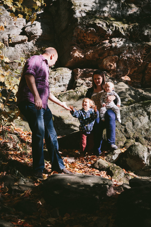 medina-ohio-family-portrait-photographer-hinckley-metropark-25.jpg
