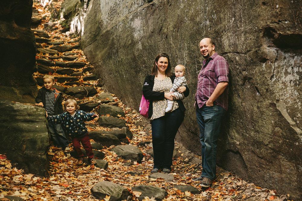 medina-ohio-family-portrait-photographer-hinckley-metropark-28.jpg