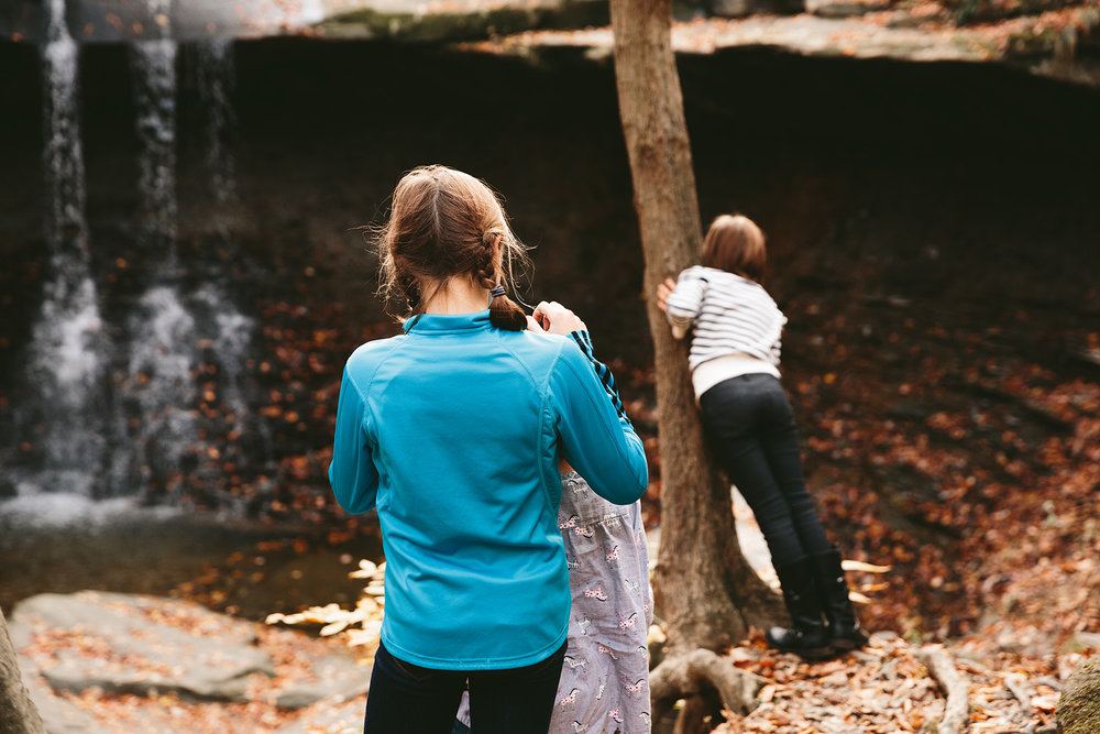cuyahoga-valley-national-park-family-portrait-photographer-blue-hen-falls-3.jpg