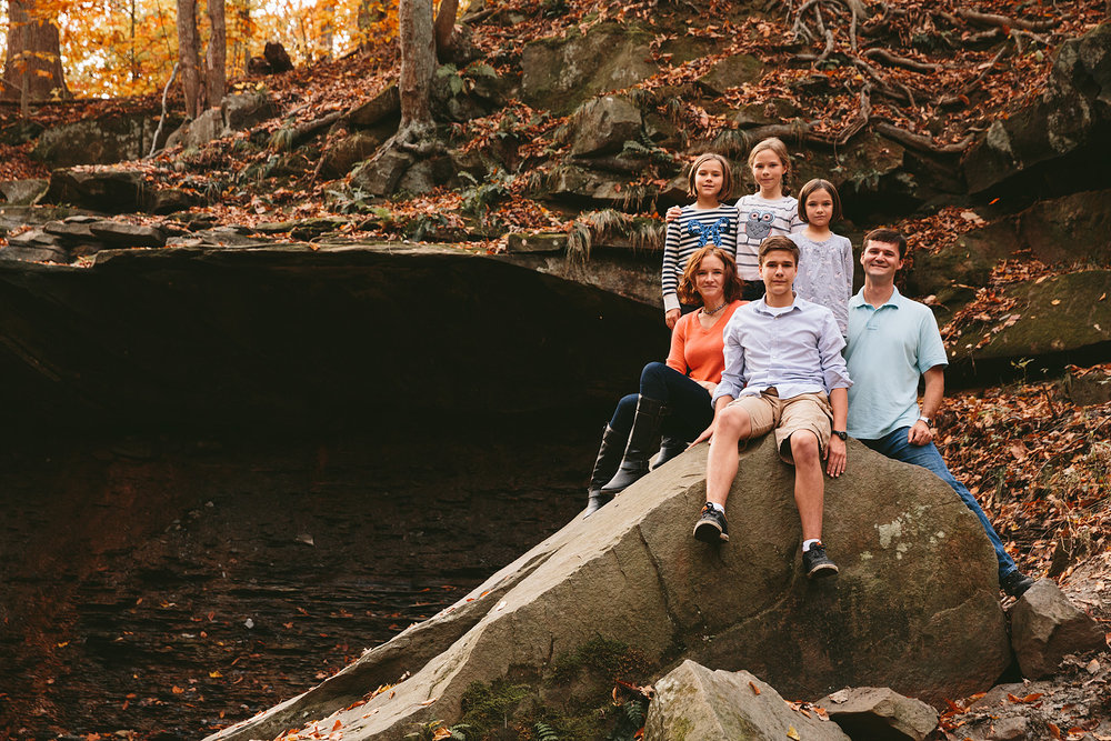 cuyahoga-valley-national-park-family-portrait-photographer-blue-hen-falls-9.jpg