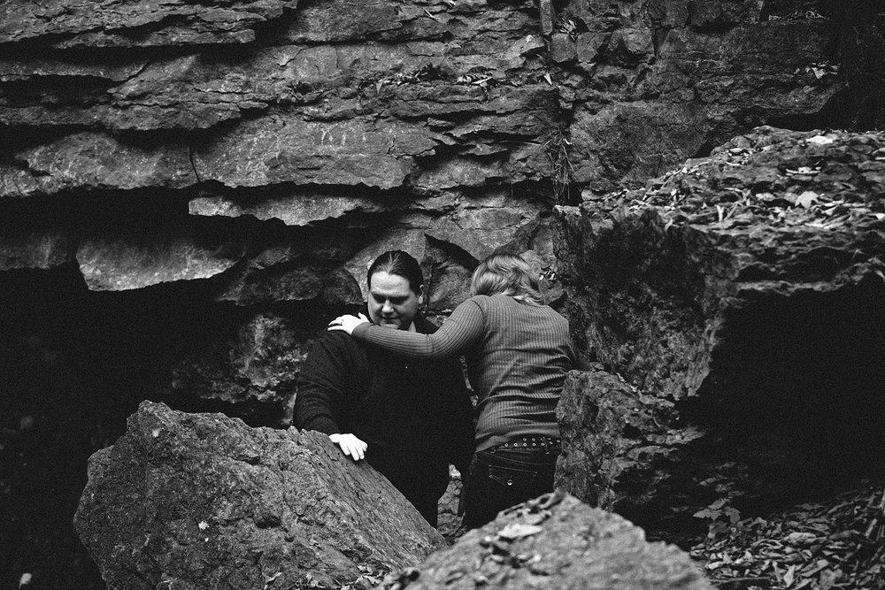 columbus-engagement-photographer-highbanks-metropark-hayden-falls-9.jpg