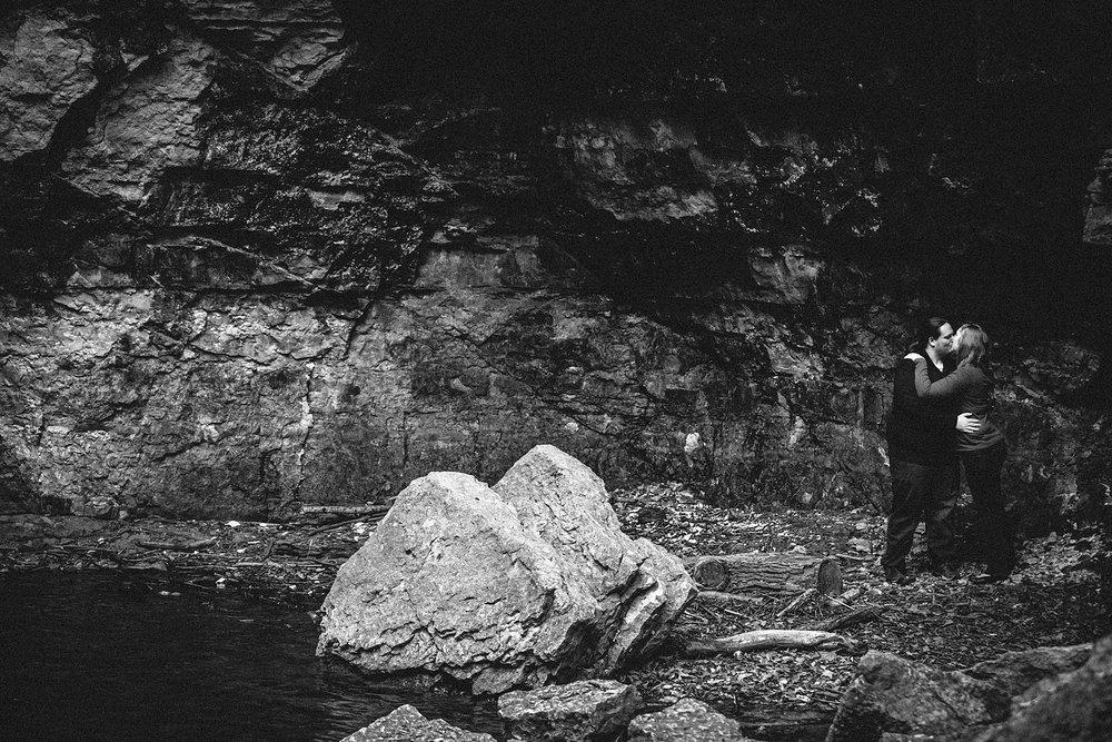 columbus-engagement-photographer-highbanks-metropark-hayden-falls-11.jpg