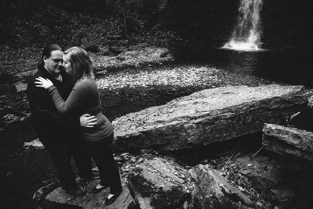 columbus-engagement-photographer-highbanks-metropark-hayden-falls-16.jpg