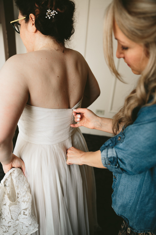 akron-ohio-wedding-photographers-greystone-hall-16.jpg