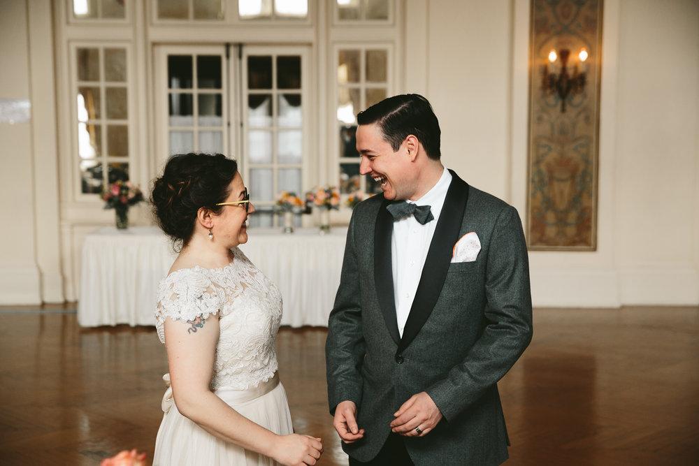 akron-ohio-wedding-photographers-greystone-hall-25.jpg