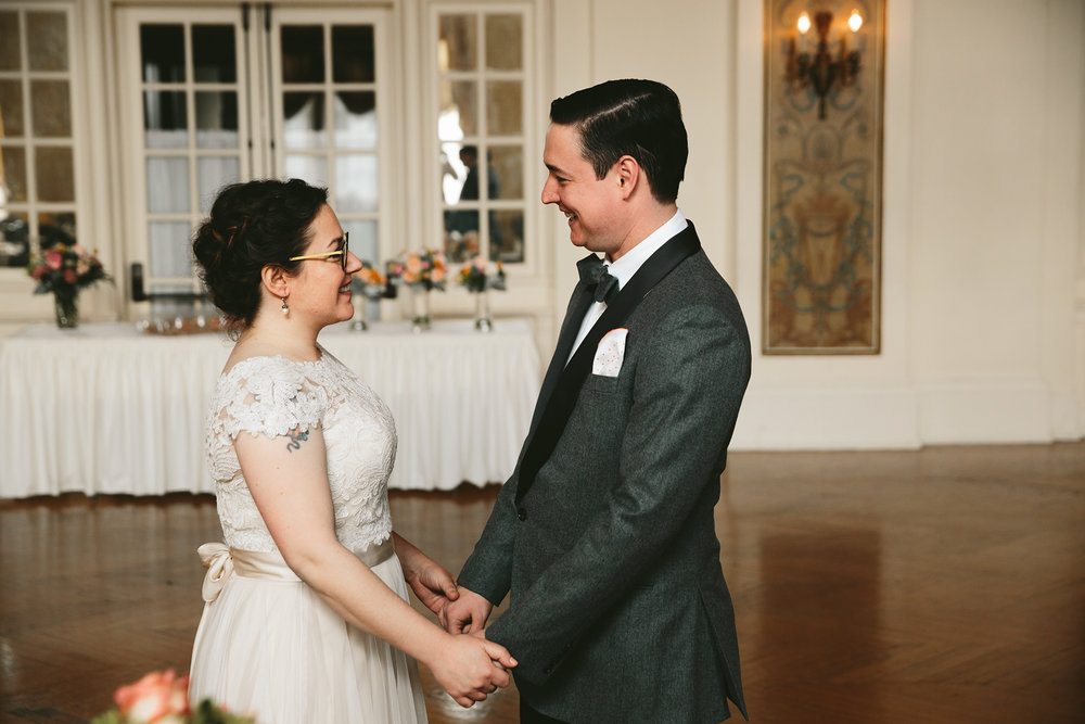 akron-ohio-wedding-photographers-greystone-hall-28.jpg