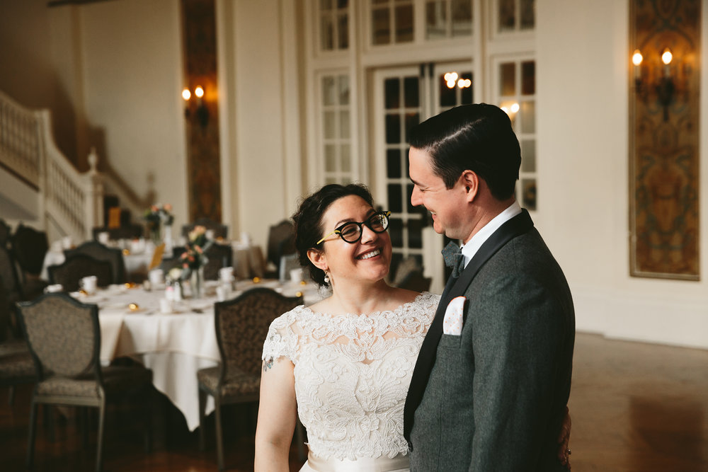 akron-ohio-wedding-photographers-greystone-hall-30.jpg