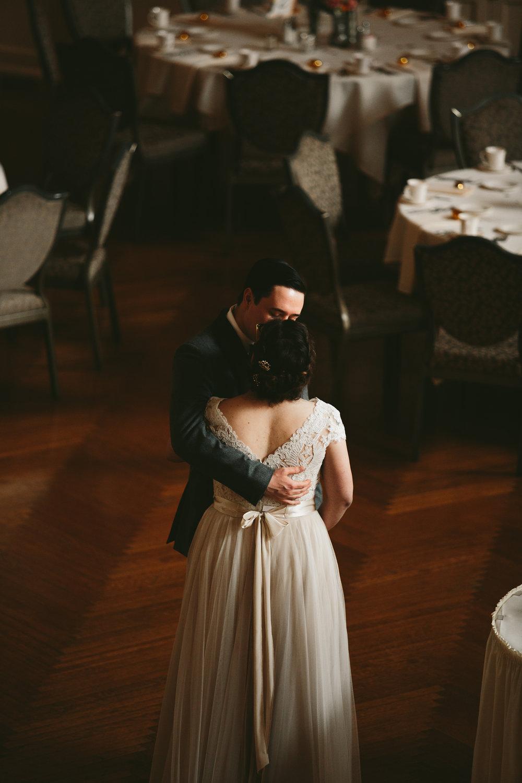 akron-ohio-wedding-photographers-greystone-hall-32.jpg