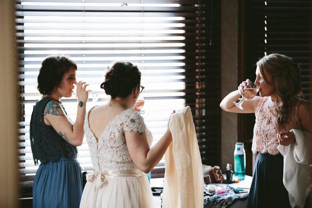akron-ohio-wedding-photographers-greystone-hall-34.jpg