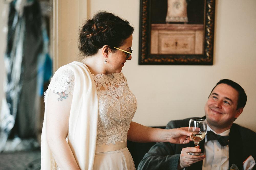 akron-ohio-wedding-photographers-greystone-hall-36.jpg