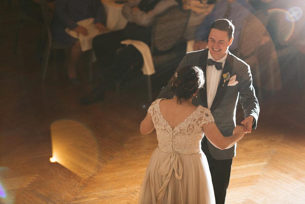 akron-ohio-wedding-photographers-greystone-hall-106.jpg