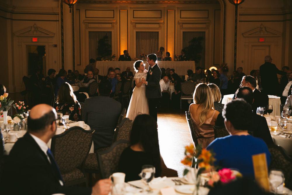 akron-ohio-wedding-photographers-greystone-hall-107.jpg