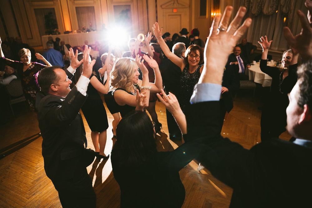 akron-ohio-wedding-photographers-greystone-hall-118.jpg