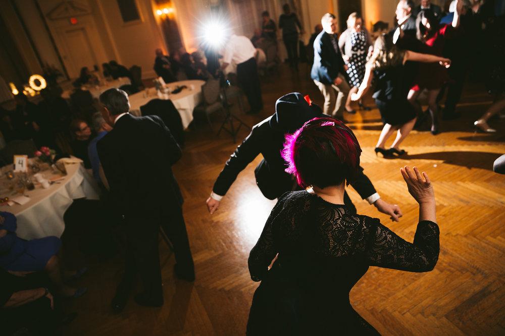 akron-ohio-wedding-photographers-greystone-hall-119.jpg
