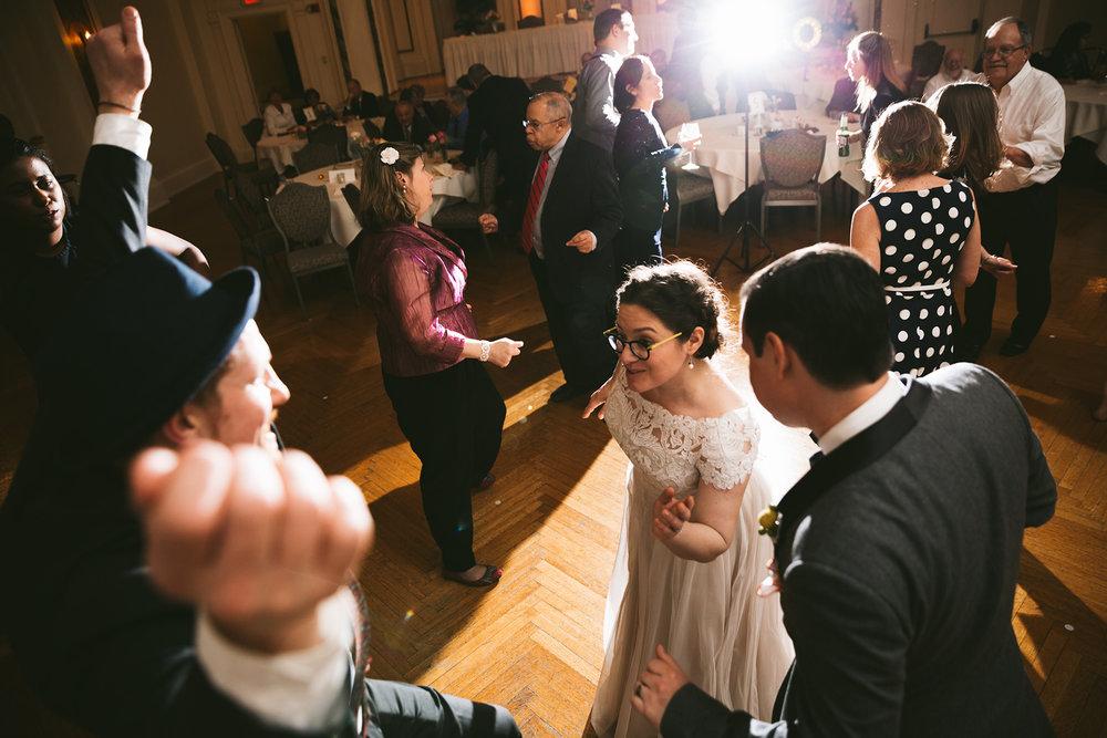 akron-ohio-wedding-photographers-greystone-hall-121.jpg