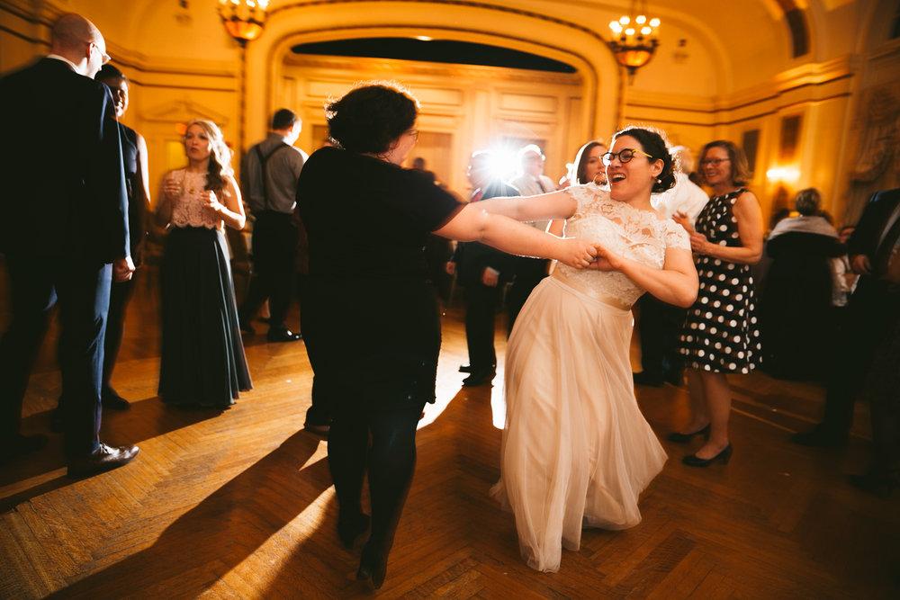 akron-ohio-wedding-photographers-greystone-hall-123.jpg