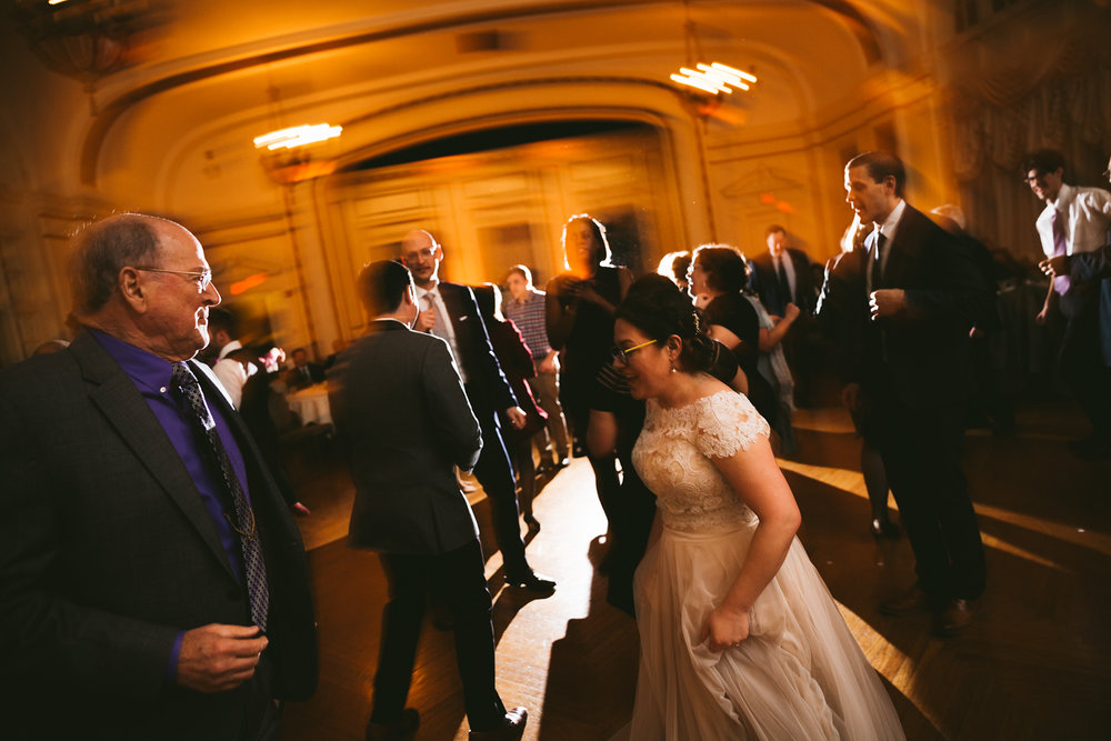 akron-ohio-wedding-photographers-greystone-hall-125.jpg